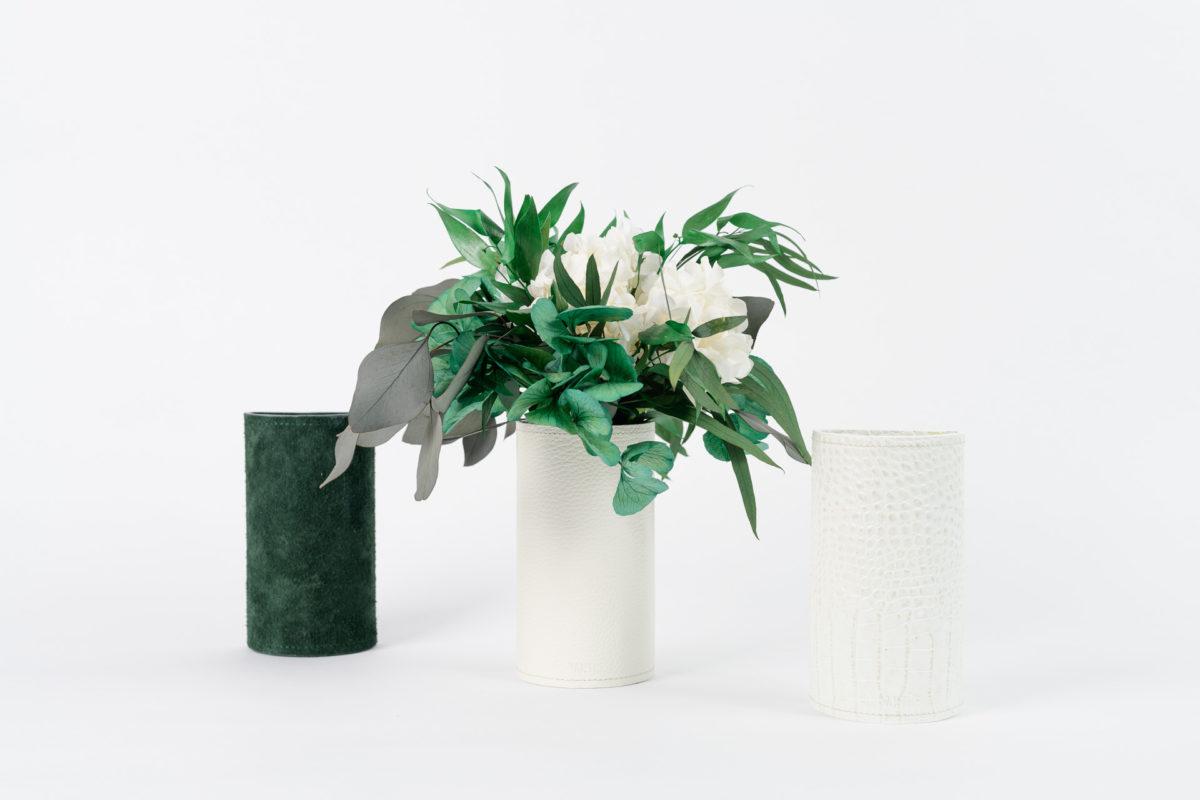Bouquet en fleurs stabilisées Habana S vases blancs et verts