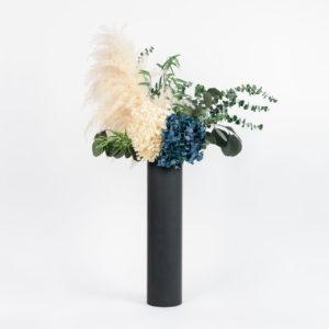 Bouquet colonne Kind of Blue en fleurs stabilisées