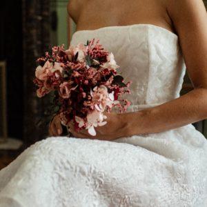 Bouquet de mariée Carmin en fleurs stabilisées